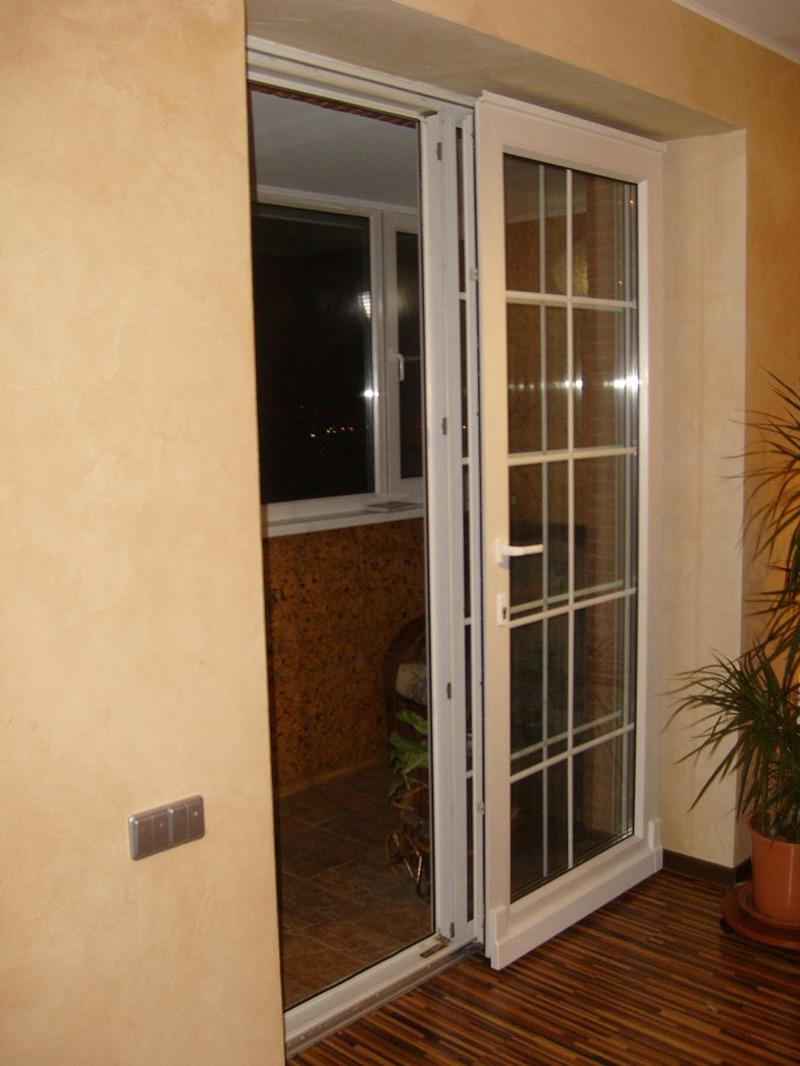 Дизайн балконной двери фото